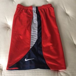 Nike Boys Basketball Shorts Size L